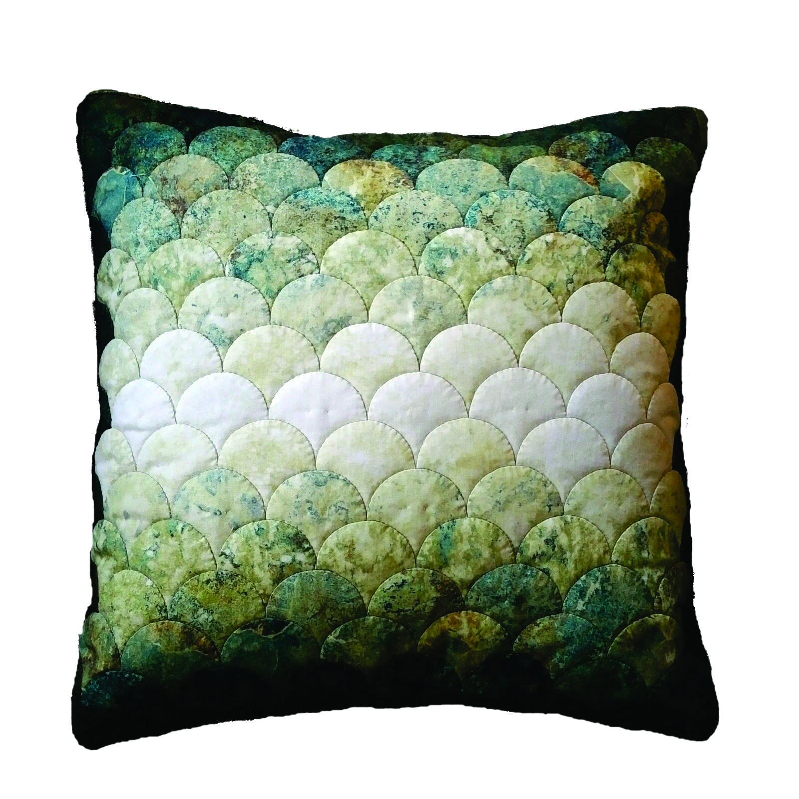 WKW.2,d - Captivating Clamshell Cushion  - WORKSHOP